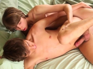 Hot twink rimjob with cumshot