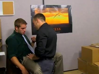 Amateur twink gets pounded in the office