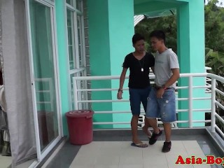 Asian twink bareback fucking before cumshot